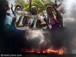 Haïti - Social : Vive tension devant la résidence de J-B Aristide