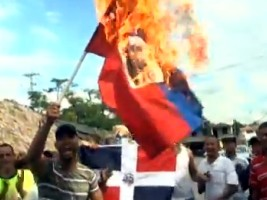 Haiti - Dominican Republic : 6 arrests in the case of the Haitian flag burned