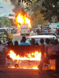Haiti - FLASH : A bus of Capital Coach Line attacked and burned