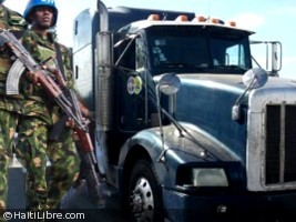 Haiti - Security : The Minustah and PNH protect Dominican trucks