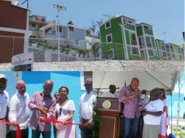 Ha ti reconstruction logements morne lazarre et for Canape vert haiti