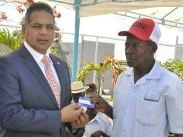 iciHaïti - Social : 2,709 coupeurs de canne vont recevoir leur résidence permanente