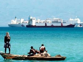 Haiti - Humanitarian : Arrival of the US hospital ship USNS Comfort