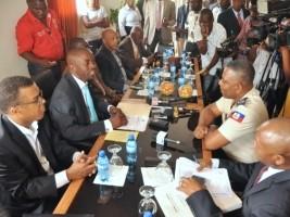 Haïti - Politique : Le nouveau DG a.i. de la PNH, dépose ses documents au Sénat