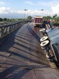 iciHaïti - FLASH : Causes de l'effondrement partiel du pont sur la Rivière Grise