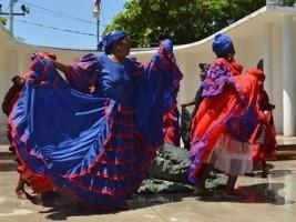 iciHaïti - Culture : Vernissage de l'exposition sur les costumes dévotionnels haïtiens