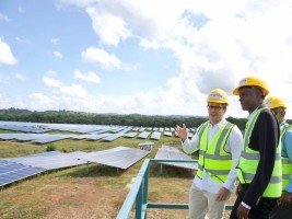 Haiti - Technology : Jovenel Moïse visits power plants in DR