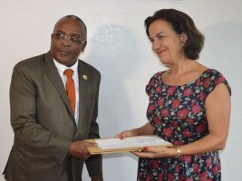 Haiti - Agriculture : Donation of seeds by France