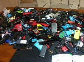 Haiti - Education : State Examinations fraud, 444 Cell Phones seized