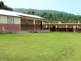 Haïti - Éducation : 10 mois après le passage de Matthew, des dizaines d'écoles toujours pas réparées