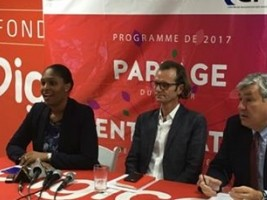 Haiti - Economy : Digicel Entrepreneur of the Year signs partnership with CIF and IDB