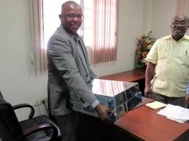 iciHaïti - Politique : Le CONATEL restitue les équipements saisis à Roc Solid FM