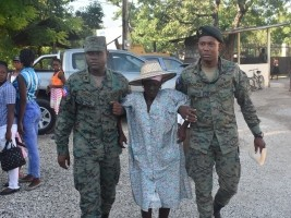 Haiti - Health : The Ministry of Defense gives itself a social image...
