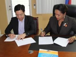 iciHaïti - Politique : Signature d'un accord entre le MHAVE et la NATCOM