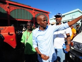 iciHaiti - Politic : President Moïse in solidarity with the victims of the Iron Market