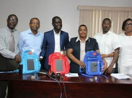 Haiti - Ivory Coast : Donation of 1,000 school bags with solar energy