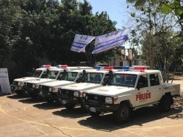 Haiti - Security : USA and IOM donate vehicles to PoliFront