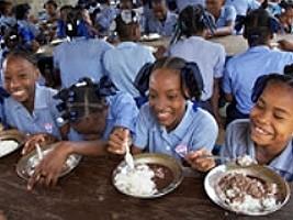 Haïti - Politique : Cantines Scolaires, 350,000 écoliers bénéficiaires