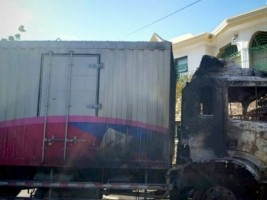 Haiti - FLASH : A truck of food kits attacked, looted and burned