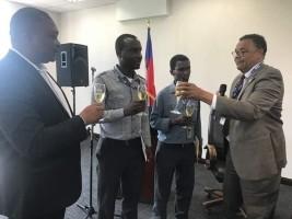 iciHaïti - Politique : Deux employés du Ministère du Commerce honorés pour leur travail