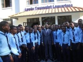 iciHaïti - Politique : Visite du Ministre Charles au Lycée Toussaint Louverture
