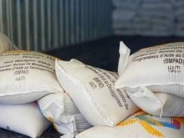 iciHaïti - Social : Livraison de produits alimentaires pour 59 restaurants communautaires dans le Nord