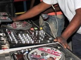 iciHaïti - Croix-des-Bouquets : DJ's Soundley Mix et Dave sur le béton ce dimanche 27 janvier