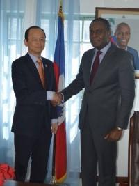 iciHaïti - Coopération : Vers un «task-force» des bailleurs de fonds pour le gestion des fatras