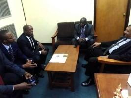 iciHaïti - Politique : Visite surprise du Ministre Aly au Palais de Justice