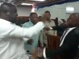 Haiti - Politic : The opposition minority forces the Senate to postpone the ratification meeting of the PM
