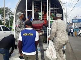 iciHaïti - RD : 1,239 haïtiens arrêtés et déportés