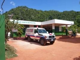 iciHaïti - Grand'Anse : Remise d'une ambulance à Pestel
