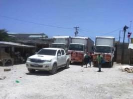 Haïti - Social : Les camionneurs de Fond Parisien bloquent la frontière de Malpasse