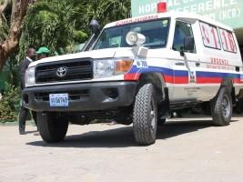 iciHaïti - Santé : Remise de 3 ambulances