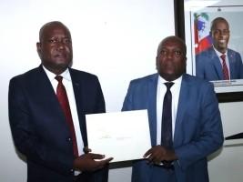 iciHaïti - Politique : Installation du nouveau DG au Ministère de la Justice