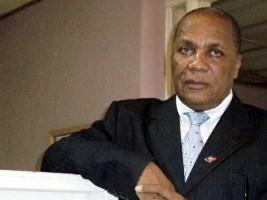 iciHaiti - Petit-Goâve : Mayor Limongy aids protesters but not flood victims