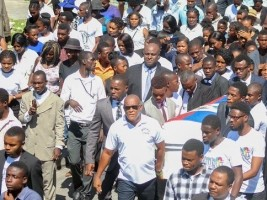 Haiti - Politic : The funeral of the journalist Néhémie Joseph, end in demonstration at least 7 wounded