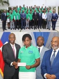 Haïti - Économie : Remise de chèques à 50 jeunes entrepreneurs