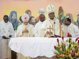iciHaïti - Religion : La Cardinal Langlois célèbre la messe de l'épiphanie à Kourou (Guyane)