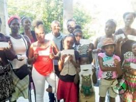 iciHaïti - Éducation : Remise de chèques de subvention à des élèves handicapés