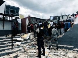 Haiti - FLASH : A truck strucks a school, at least 5 student victims
