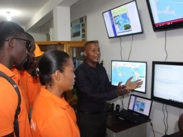 iciHaiti - Tsunami : Donation of equipment