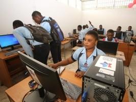 iciHaïti - Petit-Goâve : Inauguration du réseau internet au Lycée Faustin Soulouque
