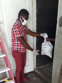 iciHaïti - Social : Distribution alimentaire à Cabaret