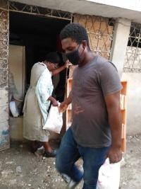 iciHaïti - FAES : Une dizaine de quartiers de la zone métropolitaine bénéficient de rations sèches