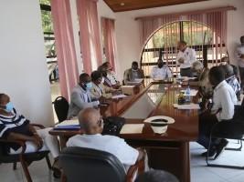 iciHaïti - Politique : Le Ministre D'Mézard rencontre la famille Sportive