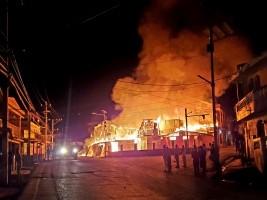 iciHaïti - Jacmel : «Radio Repère des Îles» victime collatérale de l'incendie du stand principal du Carnaval