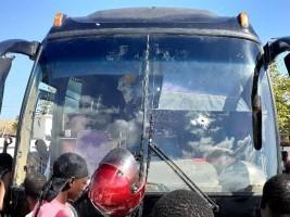 Haïti - Insécurité : Un autocar transportant des dominicains criblé de balles en Haïti, 4 blessés
