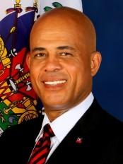 Haïti - Politique : Un décret renforce le pouvoir de signature du Président Martelly