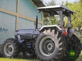 iciHaïti - Mirebalais : Remise d'un tracteur aux agriculteurs de «Marché Cana»